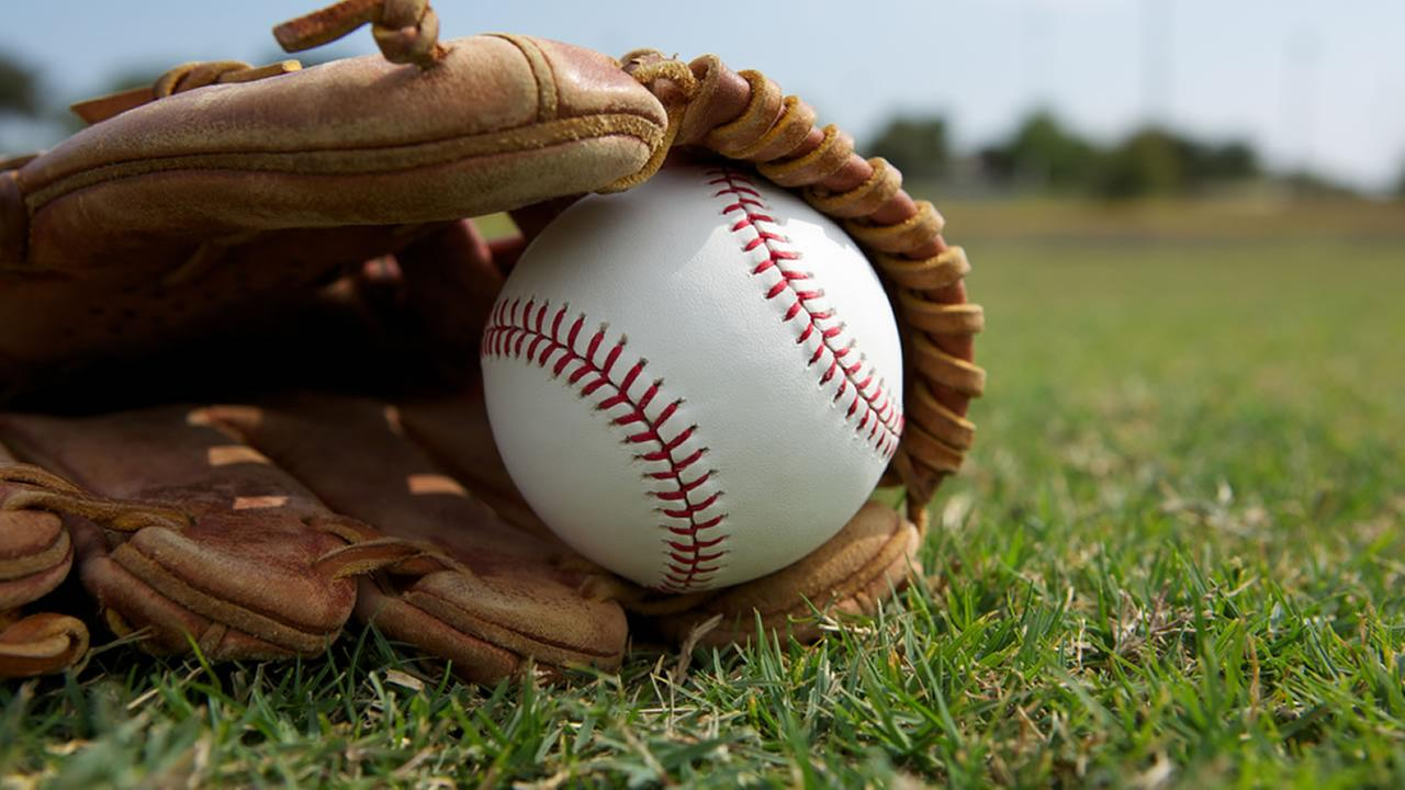 Effective Baseball Betting By Situs Agen Judi Online